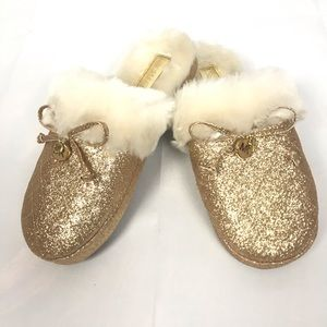 NWOT Michael Kors Gold Faux Fur Slippers Size 5